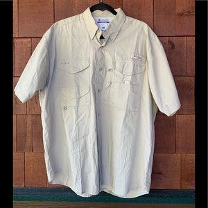 Columbia PFG men's Medium fishing shirt.